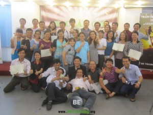 Intenet-marketing-doanh-nhan-thoi-dai-kinh-te-tri-thuc-lam-giau-lam-chu